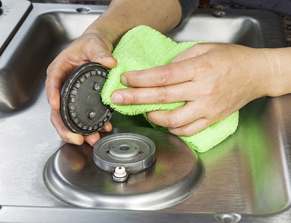 how to clean a kitchenaid cooktop